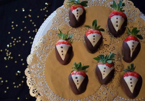 Tuxedo Strawberries