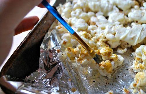 Gold popcorn - painting
