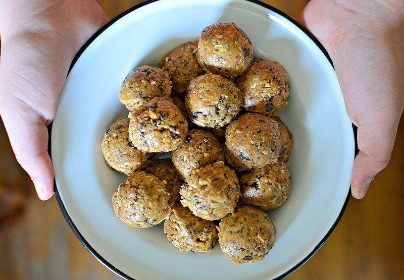 Oatmeal Peanut Butter Power Balls
