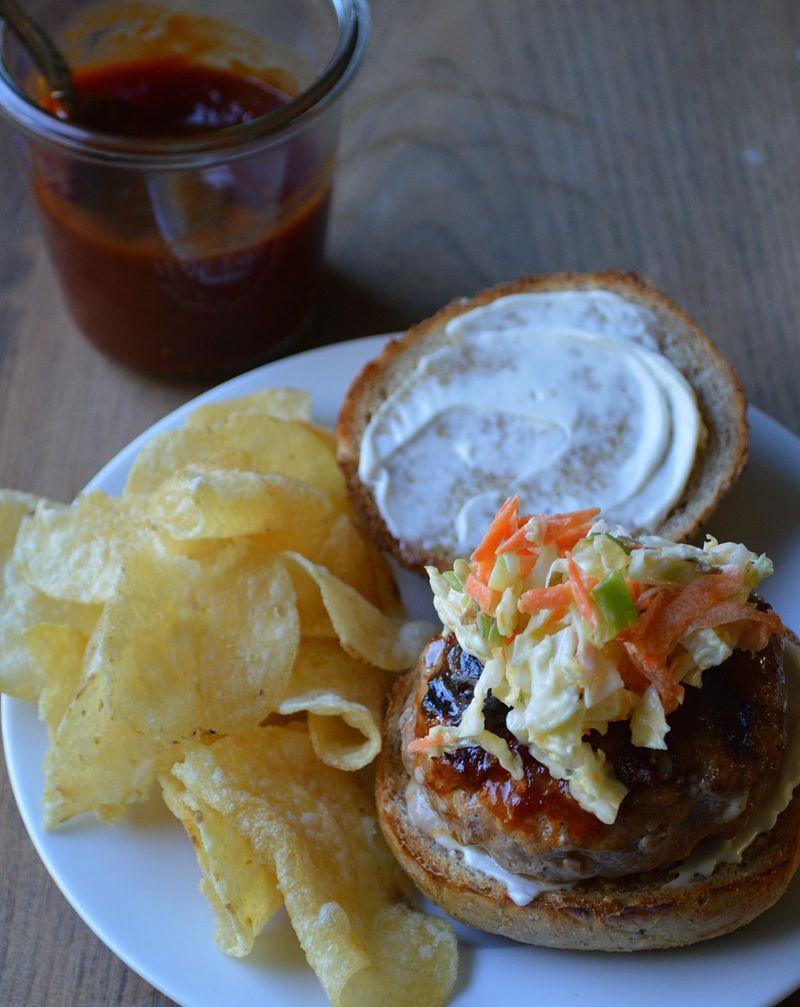 BBQ pork burger 2